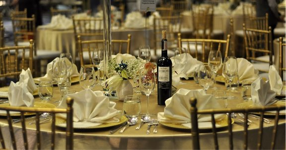 catering-services-1__Vyf6g.jpg